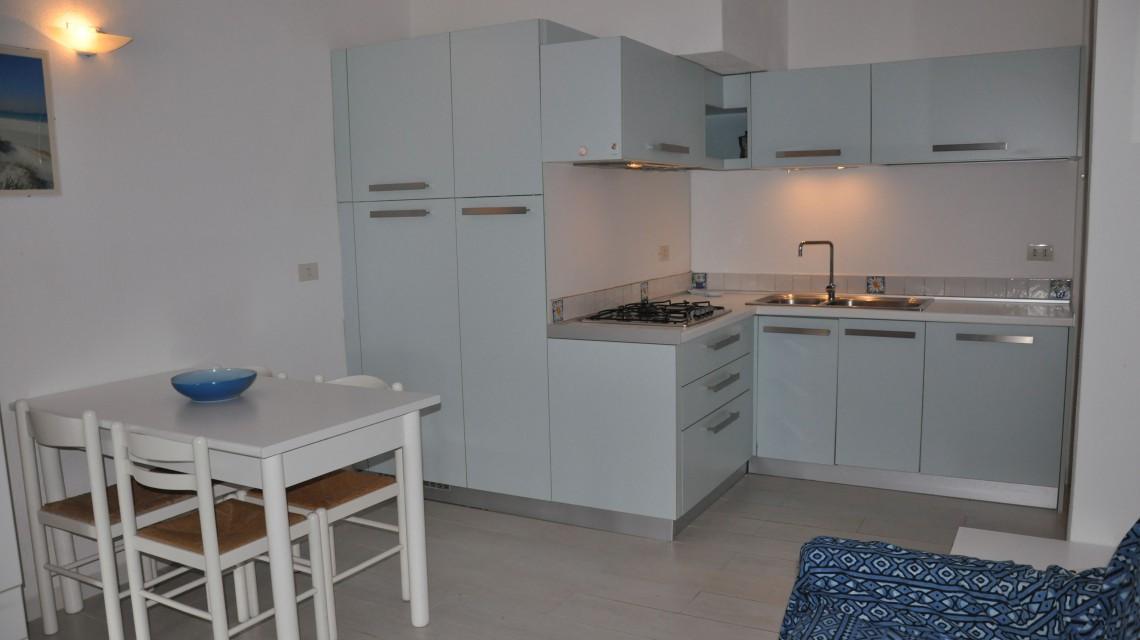 Residence San Teodoro 1. Cucina appartamento bilocale