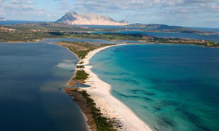 Spiaggia-la-Cinta-Residence-San-Teodoro